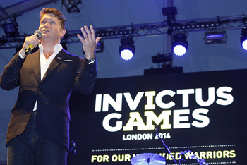 Ambassador Matthew Barzun address the crowd during the Invictus Games reception at Winfield House.