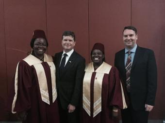 Ambassador Barzun with two De Montford University graduates and Professor Shellard (right), Vice-Chancellor of De Montford University (Photo courtesy of Professor Shellard, DMU)